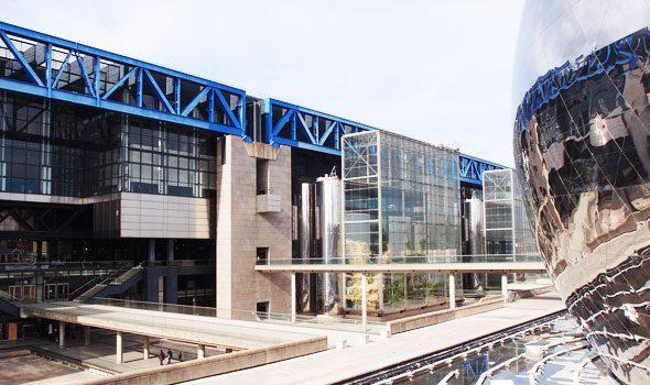 La moderna Città delle Scienze e dell'Industria di Parigi