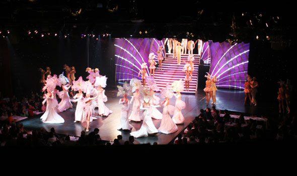 Il Lido di Parigi, un mitico cabaret nel mezzo degli Champs-Élysées