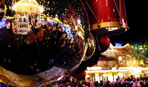 Natale a Parigi 2020: le magiche luci della Ville Lumière