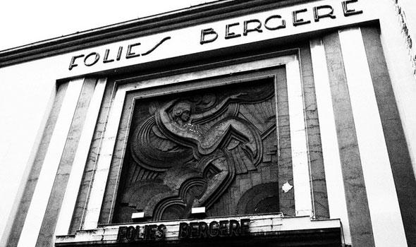 Cabaret a Parigi: Les Folies Bergère