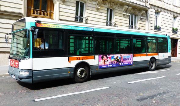 Visitare Parigi con un bus... di linea!