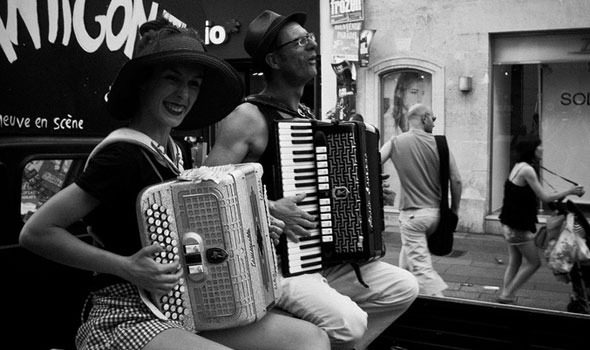 Festival di Avignone: un mese di teatro, danza e performance dal vivo