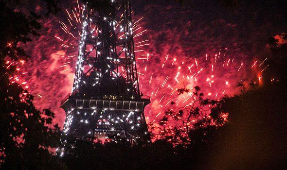 Dove guardare i fuochi d'artificio del 14 luglio a Parigi? Gli 8 luoghi perfetti per goderseli!