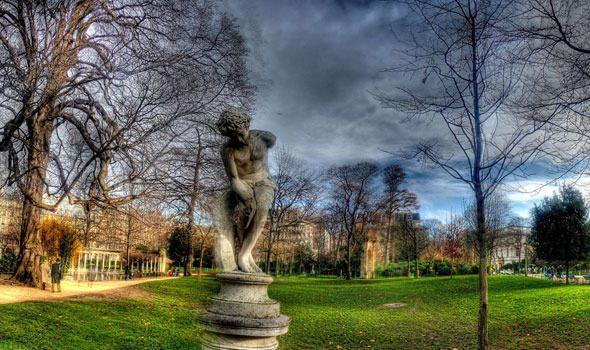 Il Parc Monceau di Parigi: un seducente insieme di natura, arte ed eleganza