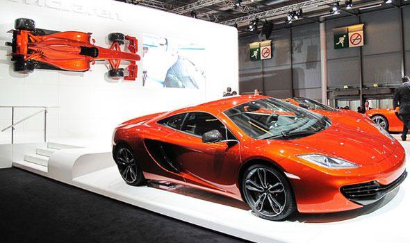 Salone dell'automobile a Parigi: fra tradizione e concept car