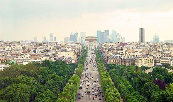 L avenue des champs lys es una vera istituzione di parigi for Parigi champ elisee