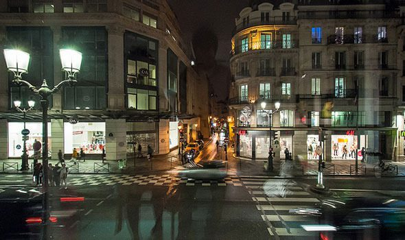 rue de rivoli shopping arte e storia nel centro di parigi. Black Bedroom Furniture Sets. Home Design Ideas