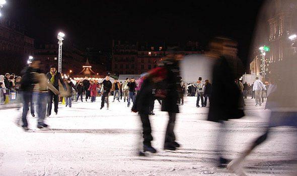 Natale 2015: Pista di pattinaggio sul ghiaccio dell'Hôtel de Ville