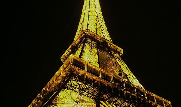 Pista di pattinaggio sul ghiccio al 1° piano della Torre Eiffel