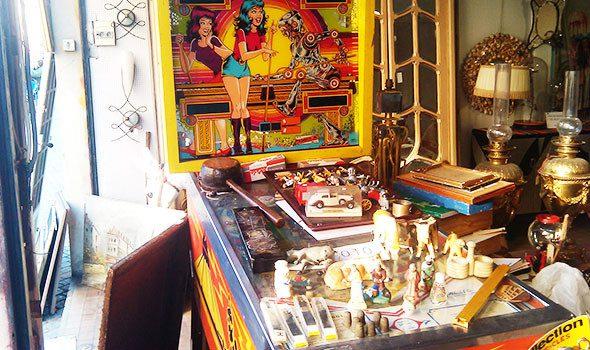 Il Mercatino delle Pulci di Saint-Ouen a Parigi, un labirinto di bancarelle e negozietti vintage
