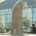 Il Pollice di César a Parigi, la scultura nel cuore de La Défense