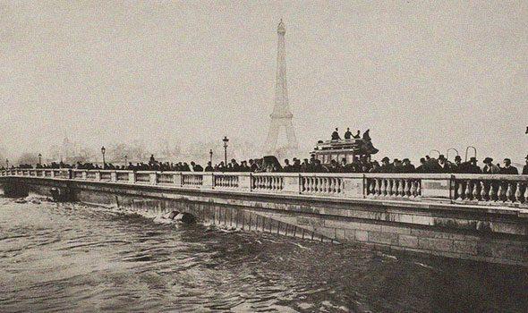 10 foto incredibili di Parigi scattate durante l'alluvione del 1910