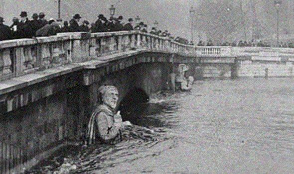 zuavo-pont-alma-1910