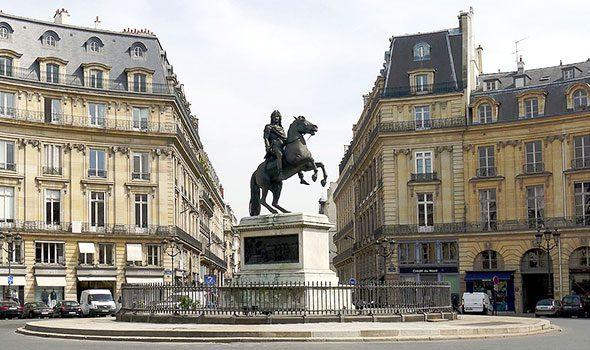 piazza-vittorie-parigi
