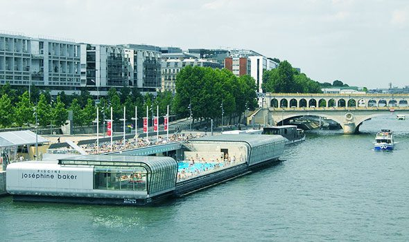 La piscina Joséphine-Baker a Parigi… a galla sulla Senna!