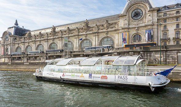 Il Batobus, visitare e spostarsi per Parigi direttamente sulla Senna