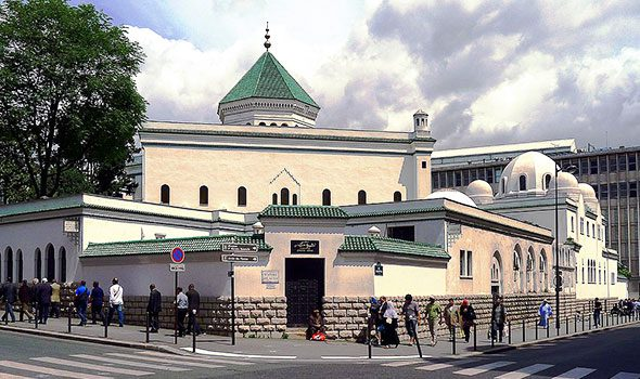 La Grande Moschea di Parigi, un imperdibile luogo di storie e culture lontane