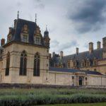 Il Castello di Écouen: un viaggio nel Rinascimento tra eleganza e natura