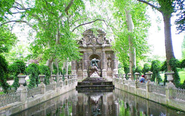 La Fontana dei Medici, un imperdibile angolo romantico di Parigi