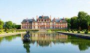Il Castello di Breteuil: un viaggio tra giardini romantici e curiose statue di cera