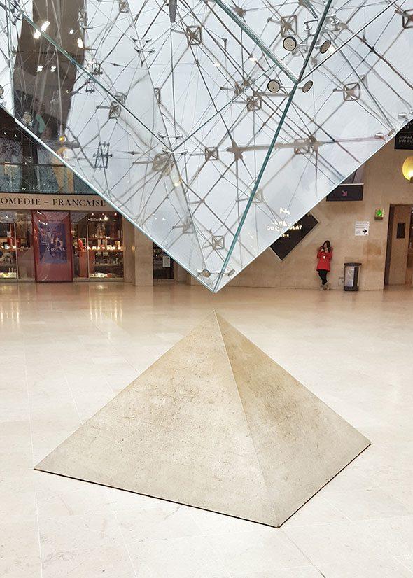 piramide-rovesciata-louvre