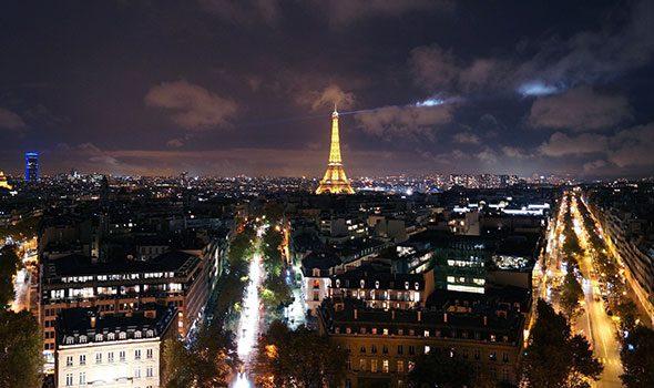 Cosa fare la sera a Parigi? Ecco 8 idee per tutti i gusti