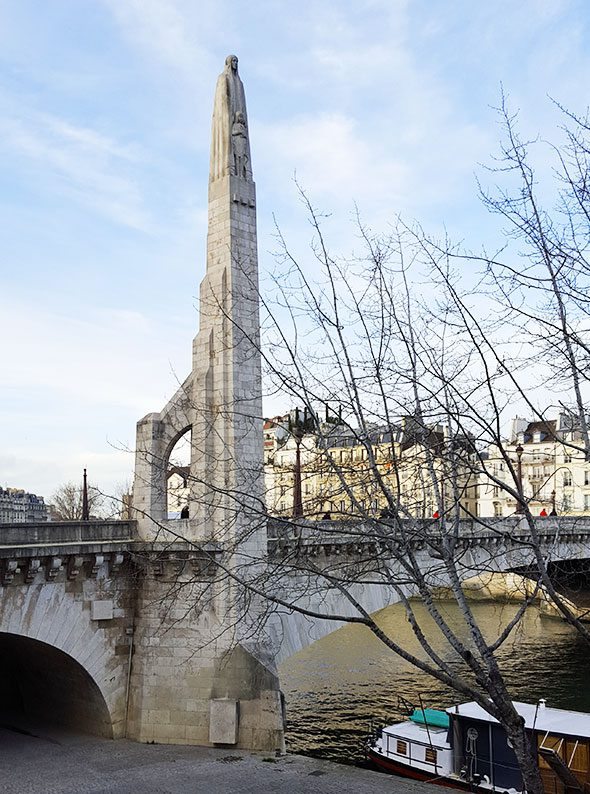 statua-santa-genoveffa-parigi