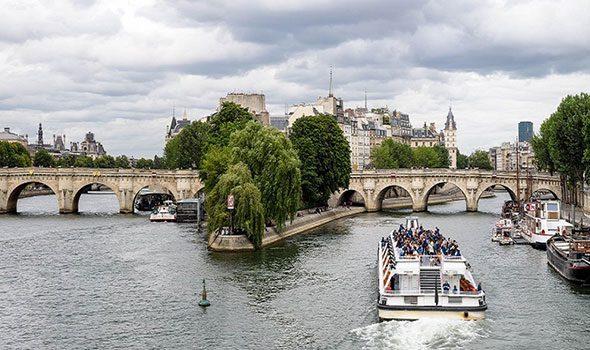 Il Pont Neuf, lo storico ponte che attraversa l'Île de la Cité di Parigi