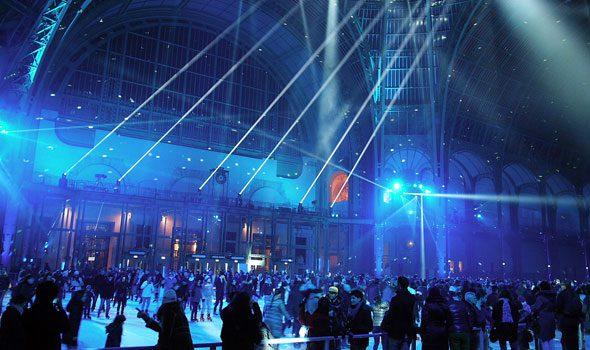 Natale a Parigi 2016: La pista di pattinaggio del Grand Palais