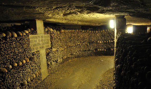 Le catacombe e i sotteranei di Parigi: un enorme labirinto sotto i nostri piedi