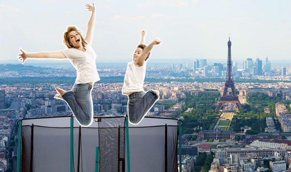 Un tappeto elastico sulla cima della Torre Montparnasse