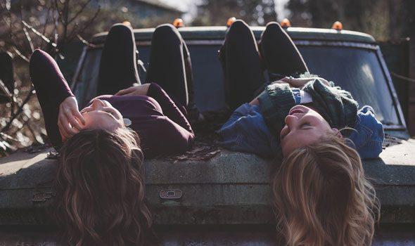 Le 35 più belle Frasi e Citazioni Francesi sull'Amicizia
