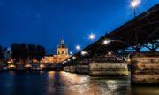 """Il Pont des Arts, uno dei simboli più noti della """"Parigi Romantica"""""""