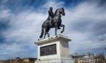 La statua di Enrico IV a Parigi e il tesoro ritrovato al suo interno
