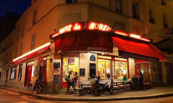 """Il Café des 2 Moulins, il celebre bar de """"Il favoloso mondo di Amélie"""""""