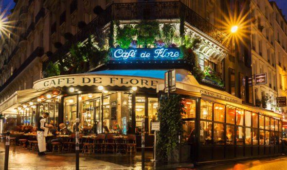 Il Café de Flore: brasserie leggendaria nel cuore di Parigi