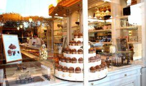 """Angelina: il """"Salon de Thé"""" più antico e famoso di Parigi"""