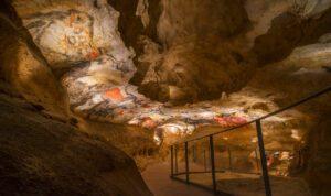 """Grotte di Lascaux: la """"Cappella Sistina del Paleolitico"""""""